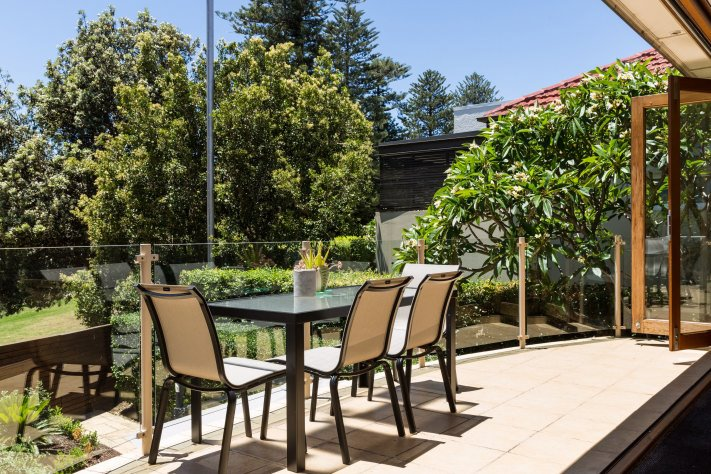 Manly Beach Resort | Last Minute Accommodation | Self