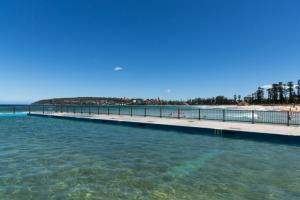 Level Public Pool View 2016 Skeney 0024